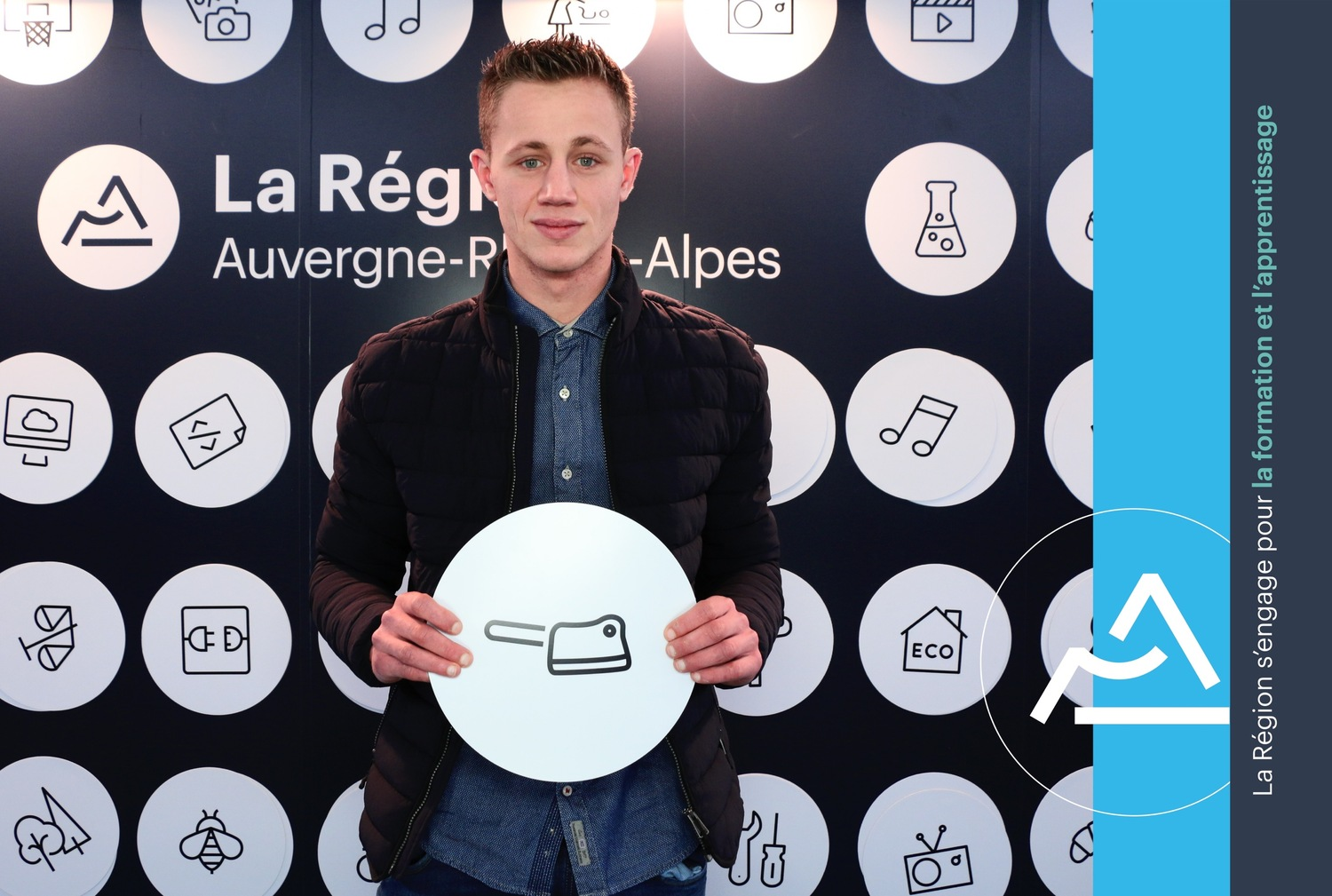 Lucas Bayle Talent De L Apprentissage Sur Le Photocall De La RC Gion