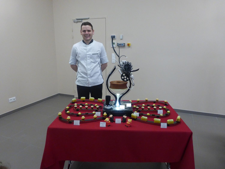 Damien FARGE, candidat en pâtisserie, rejoint l'équipe régionale des 45es Olympiades des Métiers
