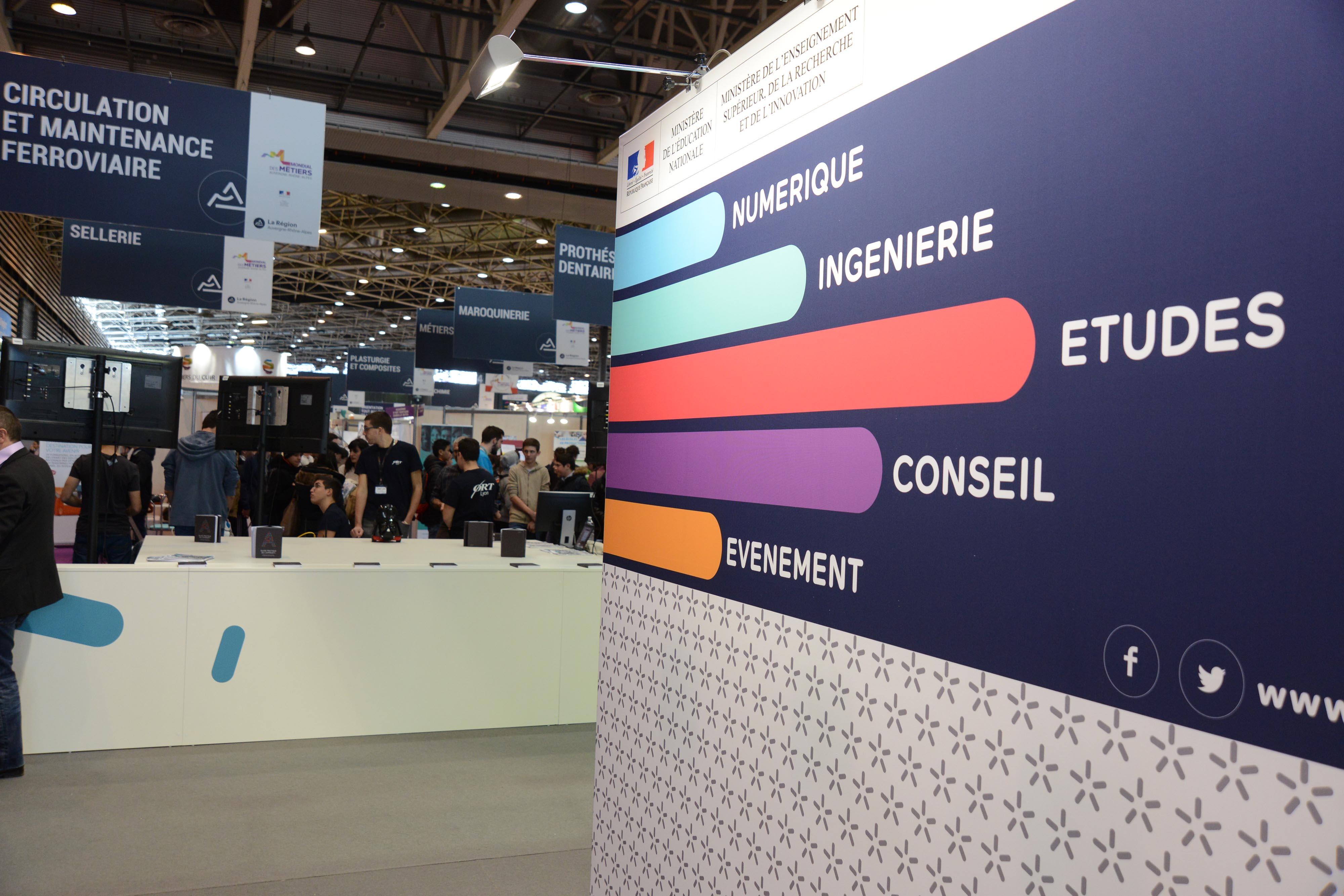 Plus de 16 % de croissance pour les métiers du numérique, de l'ingénierie, du conseil, des études et des métiers de l'événement en région Auvergne-Rhône-Alpes !